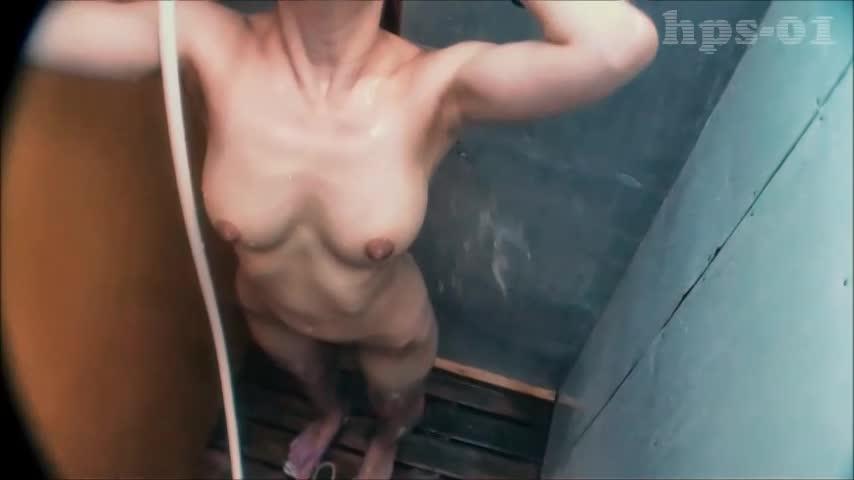 海の家シャワー室上から隠し撮り14